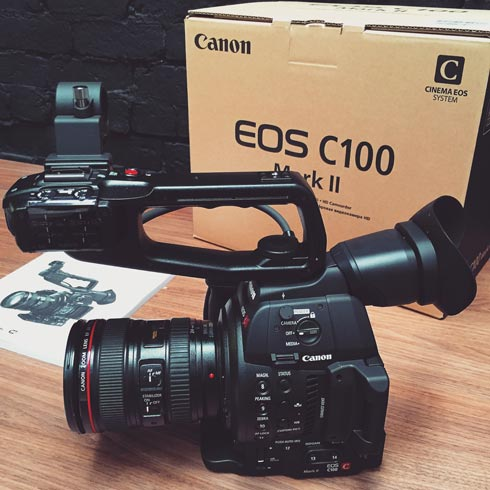 Canon C100 MKII Review - Hands on first look - Cloakroom Media